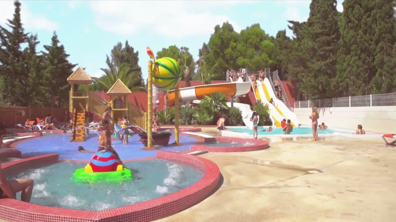 Camping piscine pyr n es orientales camping languedoc for Nouvelle piscine